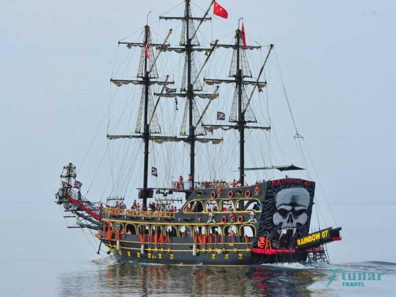Пиратская Яхта «RAINBOW-7» + 1 час в ПОРТУ Алании
