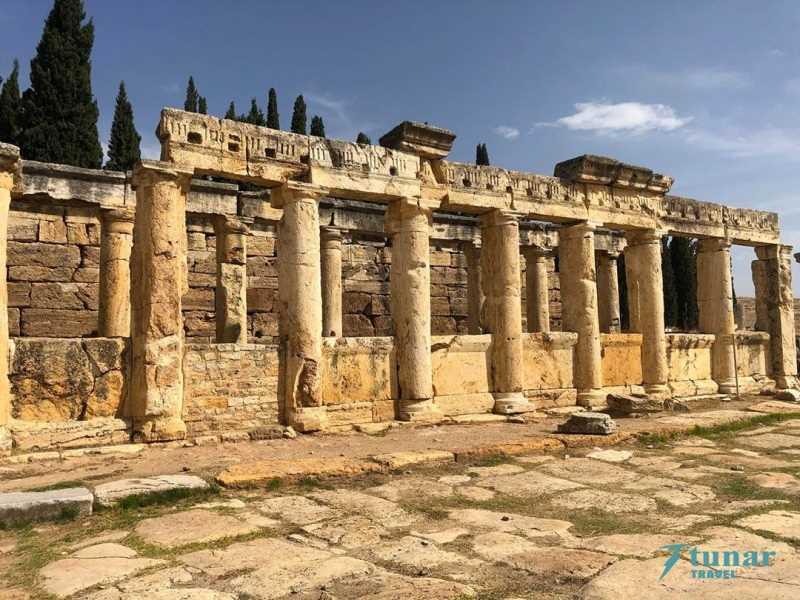 Травертины ПАМУККАЛЕ и Античный город ИЕРАПОЛИС из Алании (5 часов, без шопинга)
